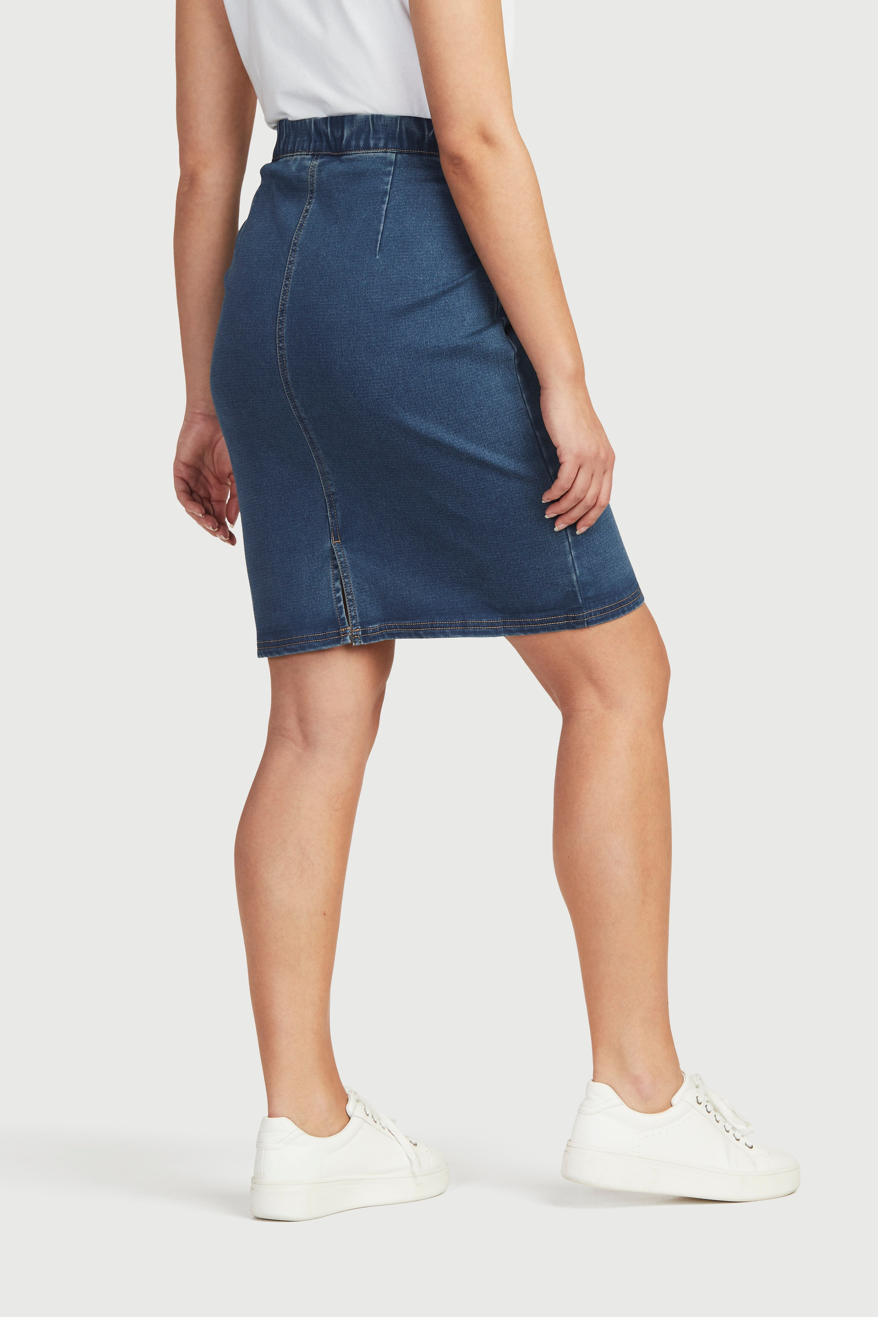 Kort jeanskjol