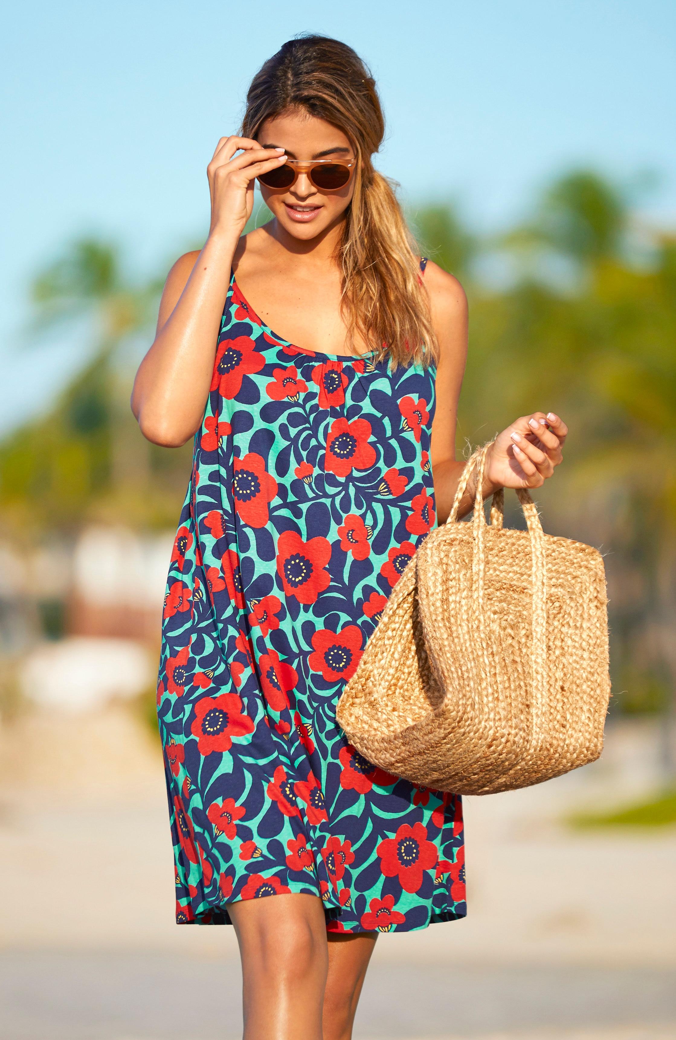 Blommig strandklänning